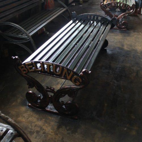 proyek bangku cor antik kabupaten belitung