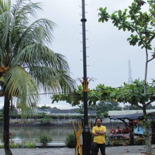 proyek tiang lampu highmast taman anti petir belitung