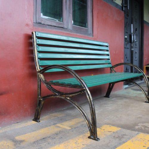 proyek kursi taman antik kota makassar