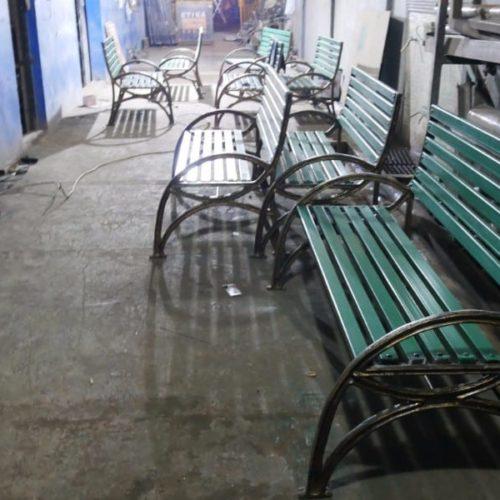 proyek kursi minimalis taman kota makassar