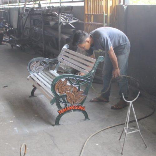 proyek kabupaten temanggung kursi taman