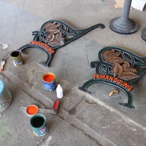 proyek kursi taman motif ikon kabupaten temanggung