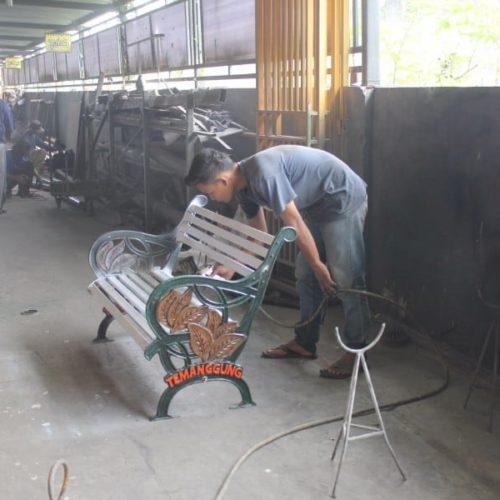 proyek kursi besi klasik temanggung