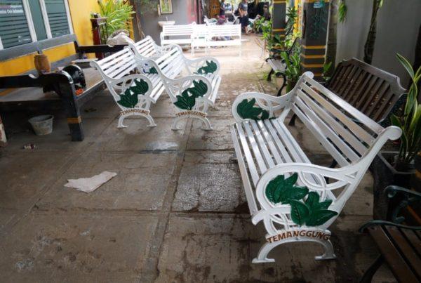 proyek kursi taman unik kabupaten temanggung