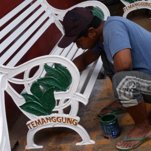 proyek kursi taman kabupaten temanggung