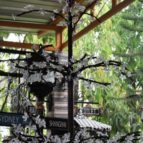 proyek dekoratif lampu pohon LED taman kabupaten sampang madura