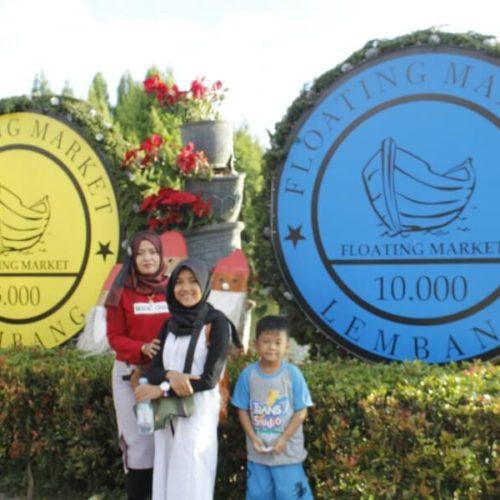 papan-nama-floating-market-bandung (1)