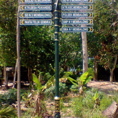 proyek penujuk jalan motif unik klasik kabupaten belitung