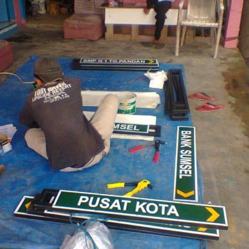 proyek tiang penunjuk arah pemerintah kabupaten belitung