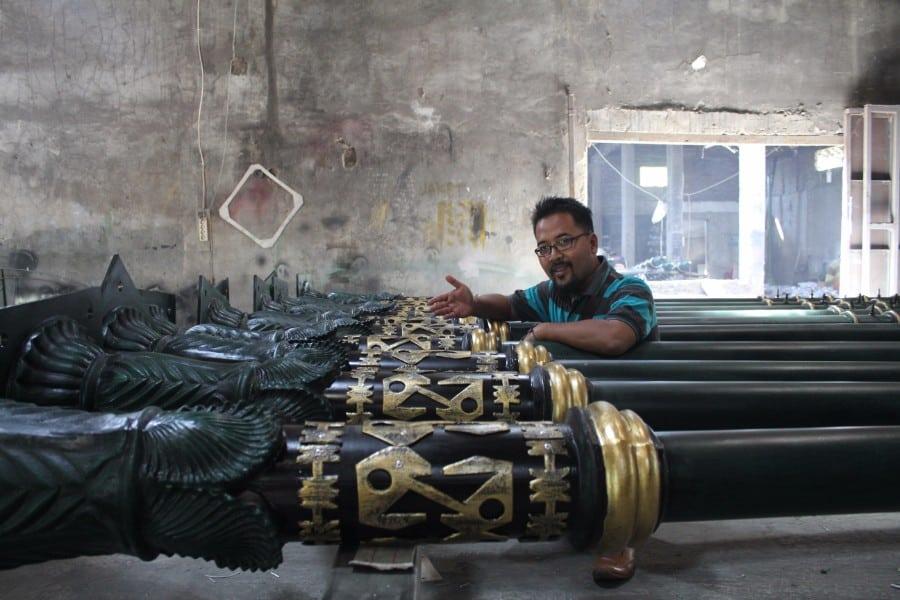 proyek tiang penunjuk jalan antik kabupaten belitung