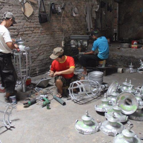 proyek-tiang-lampu-mandalika-10