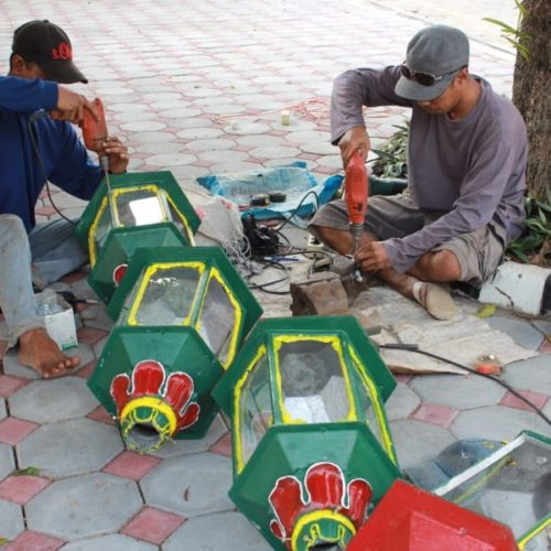 proyek tiang lampu taman kantor gubernur yogyakarta