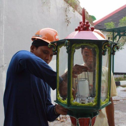 proyek tiang lampu kantor gubernur DIY
