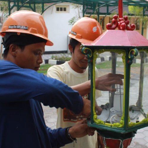 proyek tiang lampu kantor gubernur yogyakarta