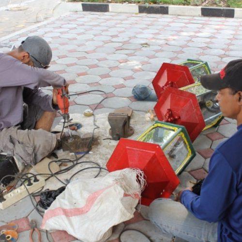 proyek tiang lampu taman ornamental unik kantor gubernur yogyakarta
