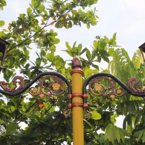 proyek tiang lampu cabang unik lombok