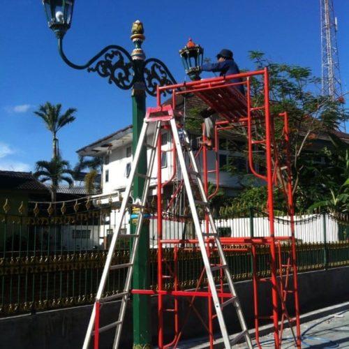 proyek stasiun tugu jogja tiang lampu antik