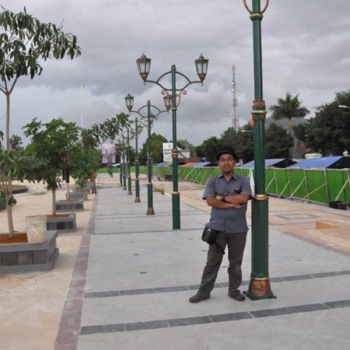 proyek tiang lampu taman alun-alun rembang