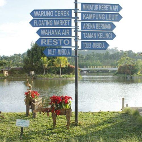 tiang-penunjuk-arah-floating-market-lembang (1)