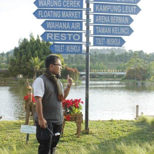 tiang-penunjuk-arah-floating-market-lembang (2)