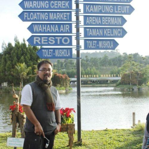 tiang-penunjuk-arah-floating-market-lembang (3)