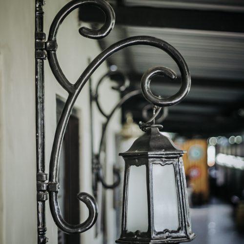 lampu dinding tempel