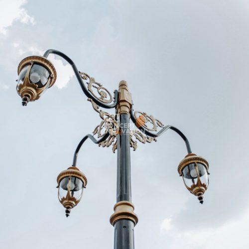 tiang lampu cabang 3