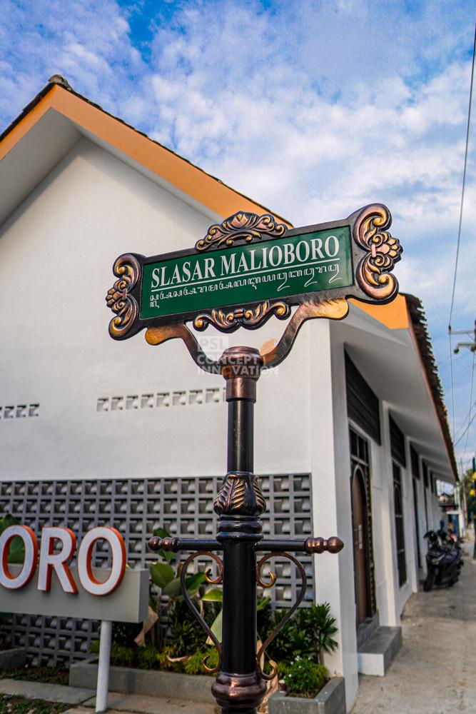 Papan Nama Jalan Untuk Slasar Malioboro