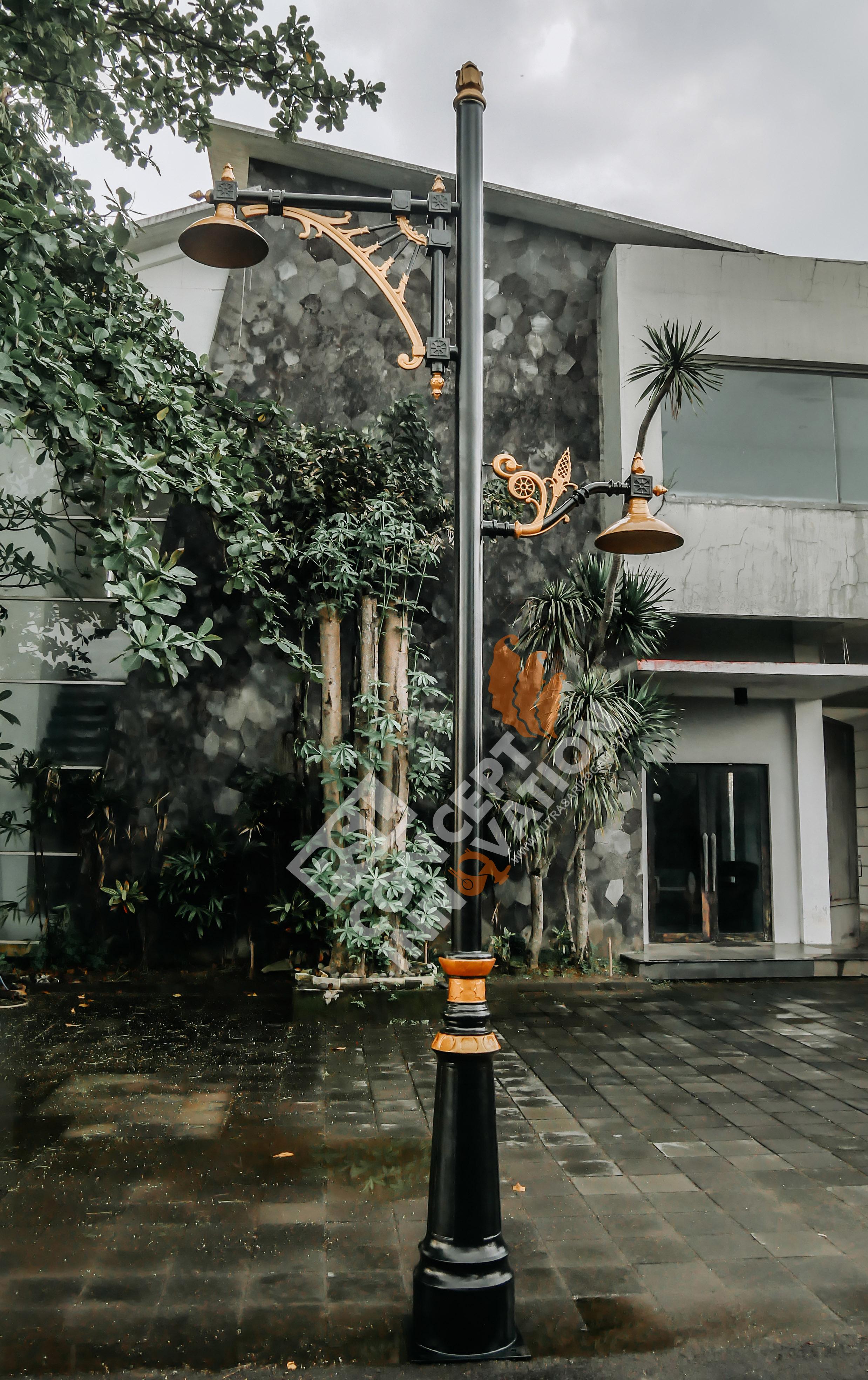 Tiang Lampu Untuk Kota Semarang
