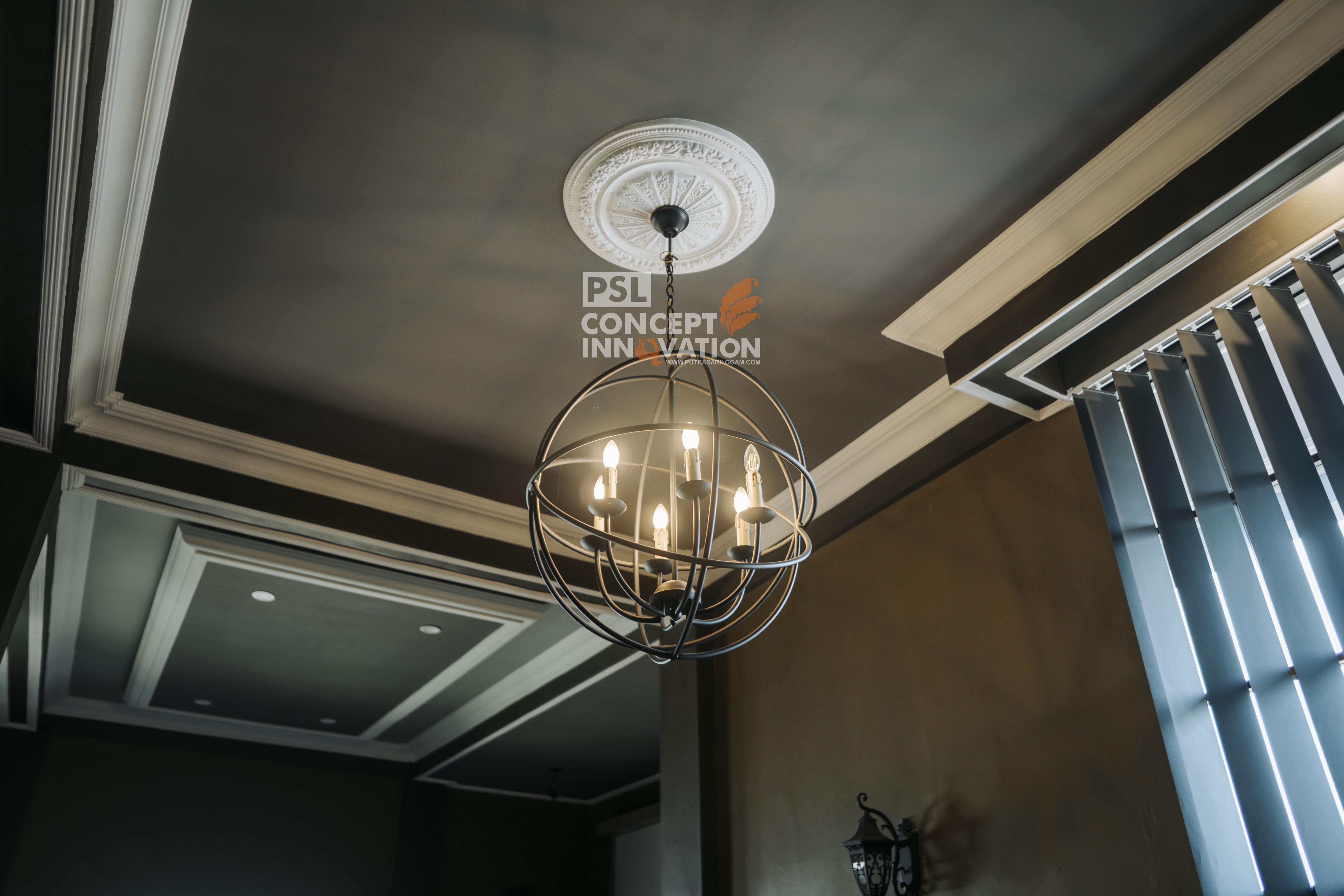 Ruang Tamu Mewah Nan Elegan Dengan Lampu Gantung Antique